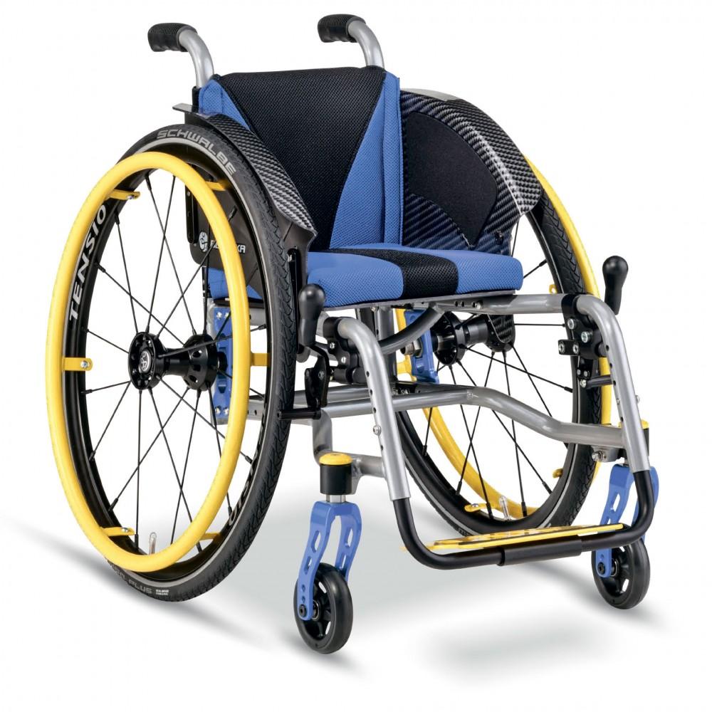 Детское кресло-коляска активного типа Berollka Filou
