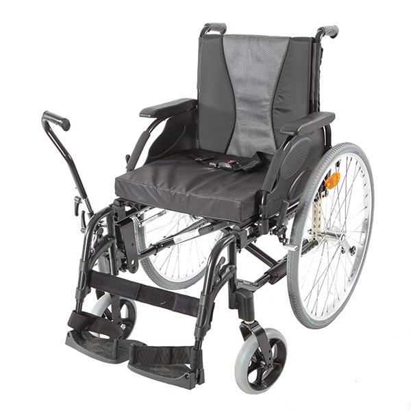 Инвалидная кресло-коляска Invacare Action 3 с рычажным приводом