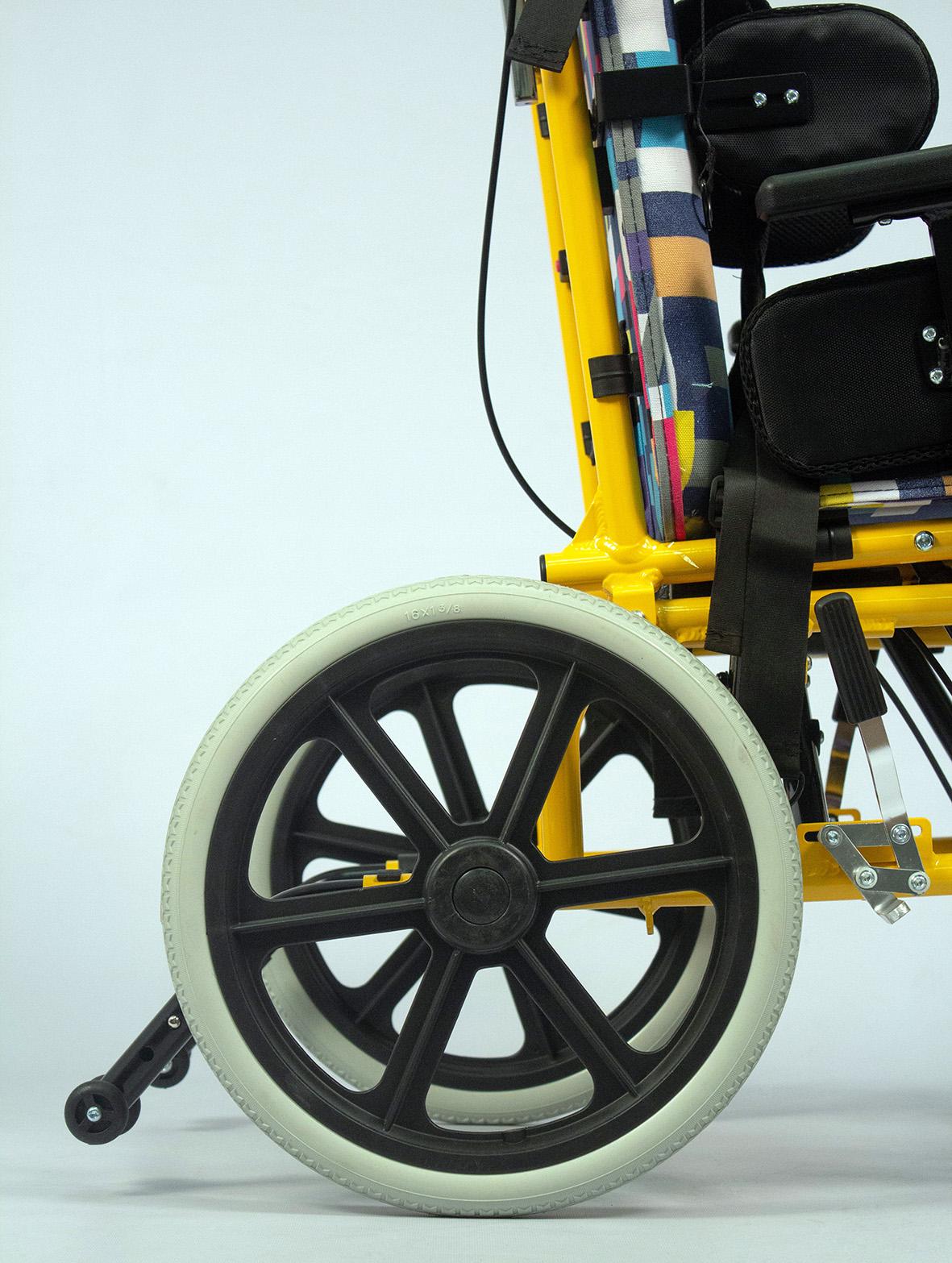 Кресло-коляска инвалидная с принадлежностями, вариант исполнения LY-800-985