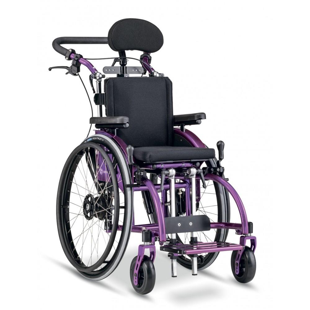 Детское кресло-коляска активного типа Berollka Traxx