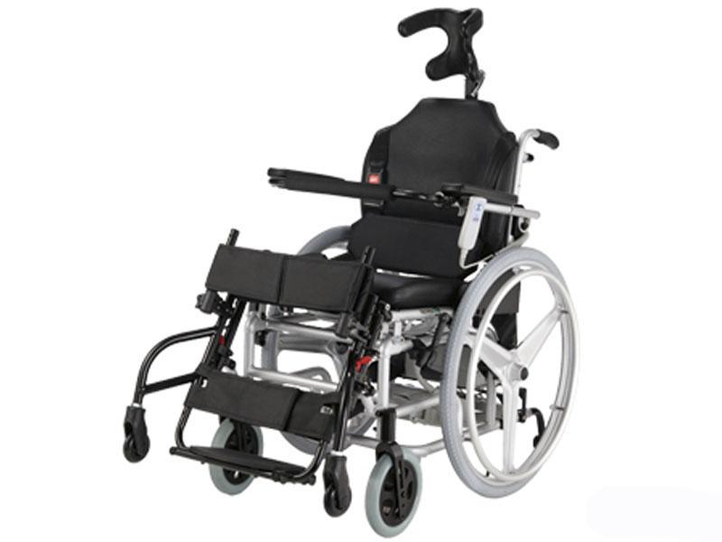 Кресло-коляска инвалидная с вертикализатором LY-250-140 HERO 4