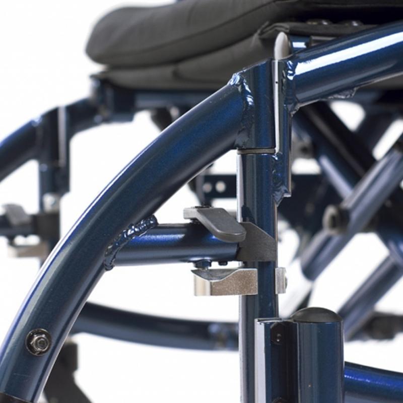 Инвалидная кресло-коляска Ortonica Deluxe 520