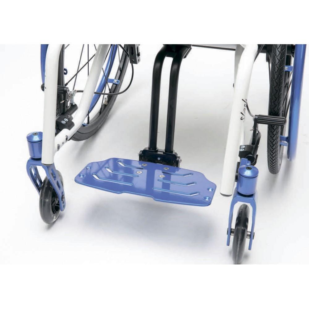Детское кресло-коляска активного типа Berollka Slash