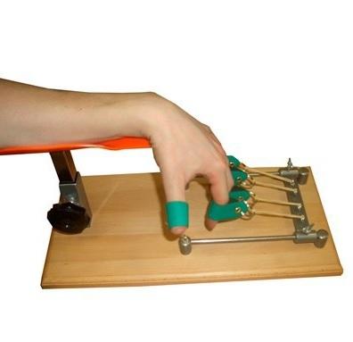 Тренажер для разработки пальцев руки