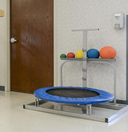 Батут-мишень реабилитационный стационарный для медболов