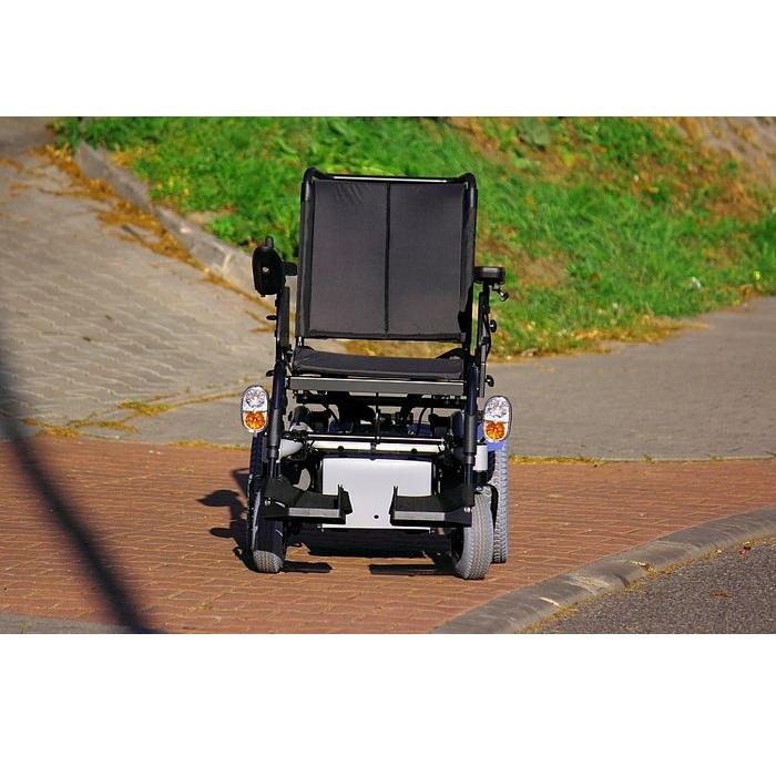 Инвалидная коляска с электроприводом Invacare Stream