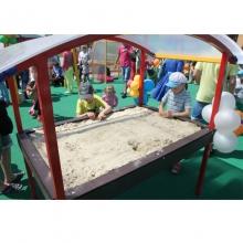 Крытая песочница для детей-инвалидов