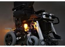 Инвалидная коляска с электроприводом и вертикализатором Invacare Dragon