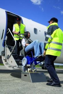 Ступенькоход с интегрированным сиденьем s-max Aviation D1611