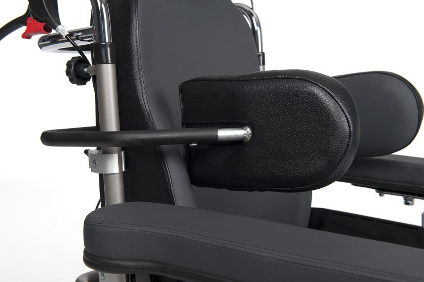 Кресло-коляска инвалидная с множеством функций Vermeiren Inovys 2