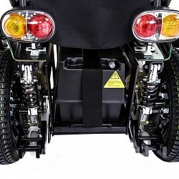 Задние светодиодные фонари красного цвета и задний мигающий указатель поворота